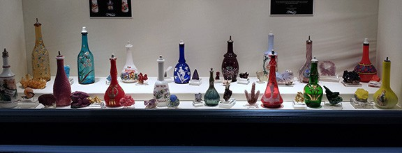 Beautiful Minerals with a Selection of Exquisite Barber Bottles 14 February 2015 Now here is a display that you don't come across too often at […]