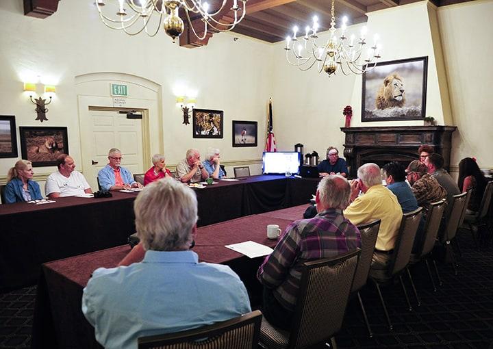 Board Meeting_FullRoomRightX