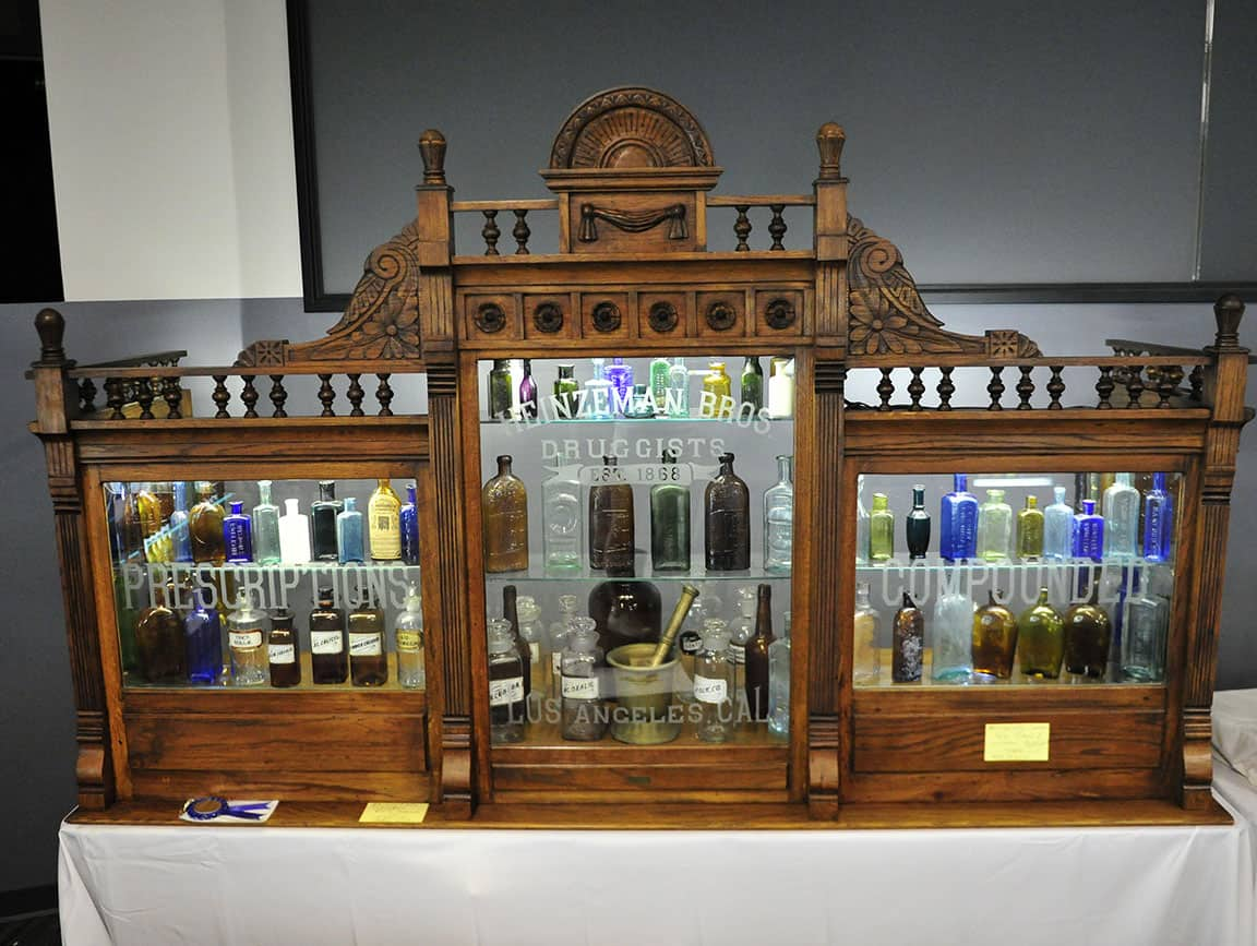 D_ApothecaryCabinet_FrontFull